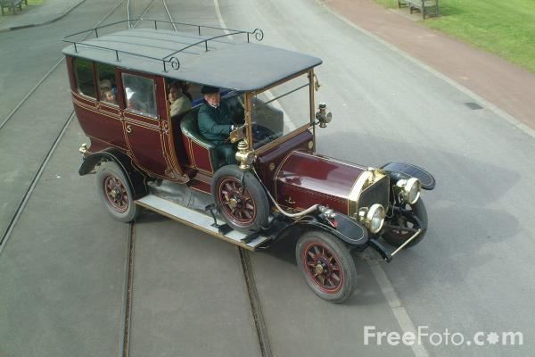 Picture of Vintage Car, The North of England Open Air Museum, Beamish, County Durham - Free Pictures - FreeFoto.com