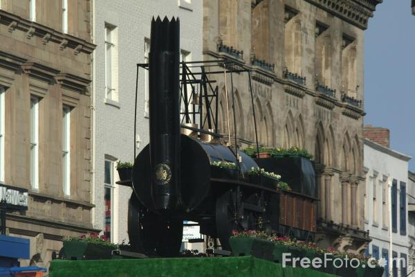 Picture of Locomotion Floral Display, Darlington - Free Pictures - FreeFoto.com