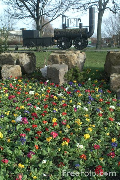 Picture of Railway Floral Display, Darlington - Free Pictures - FreeFoto.com