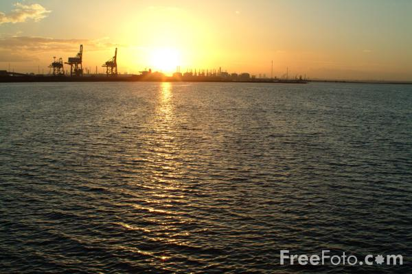 Picture of Sunset, River Tees, Teesmouth - Free Pictures - FreeFoto.com