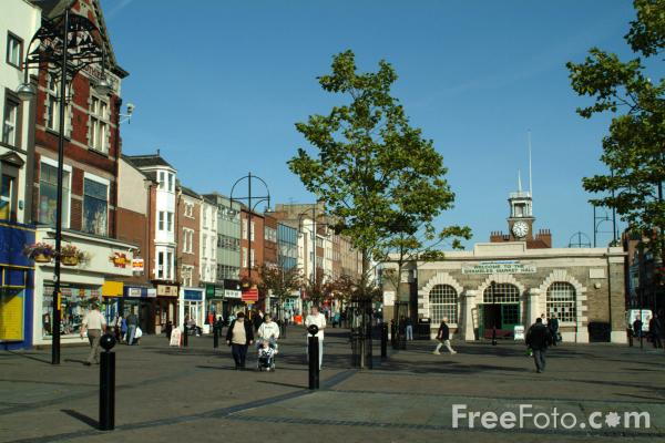 Picture of Stockton on Tees High Street - The widest High Street in the UK - Free Pictures - FreeFoto.com