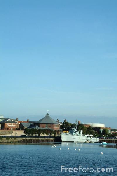 Picture of River Tees, Stockton on Tees - Free Pictures - FreeFoto.com