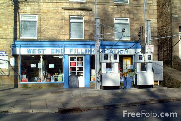 Picture of West End Filling Station, Stanhope - Free Pictures - FreeFoto.com