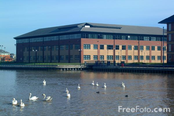 Picture of Office Building, Stockton on Tees - Free Pictures - FreeFoto.com
