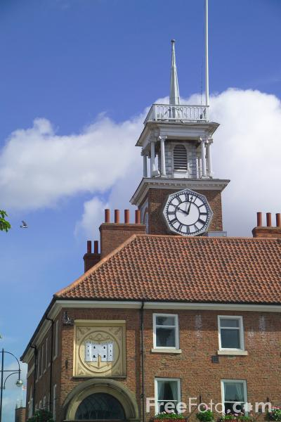Picture of Town Hall, Stockton on Tees - Free Pictures - FreeFoto.com