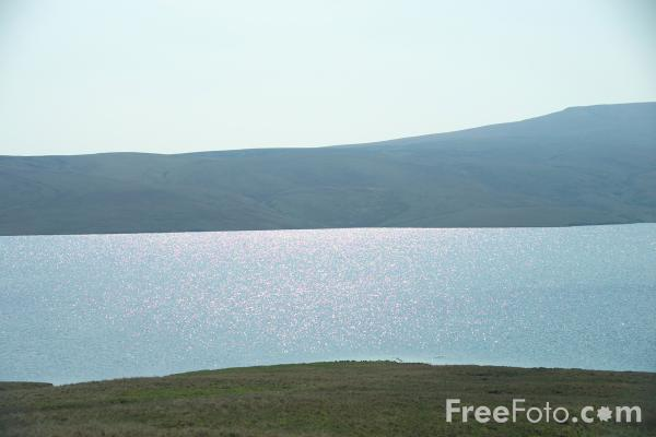 Picture of Cow Green Reservoir - Free Pictures - FreeFoto.com
