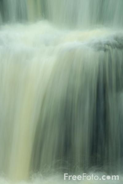 Picture of Waterfall, Bowlees Beck, County Durham - Free Pictures - FreeFoto.com