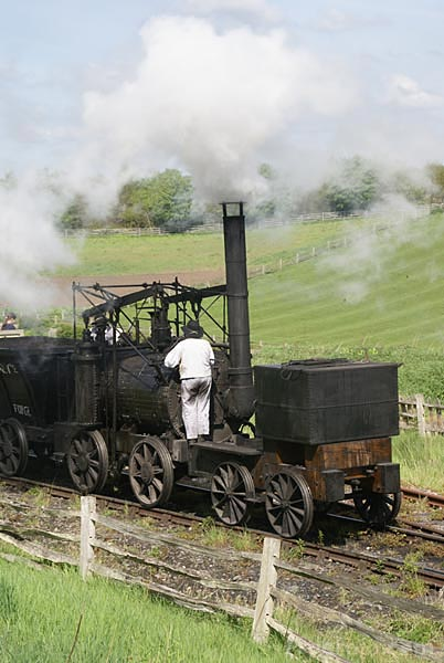 Picture of Puffing Billy steam locomotive - Free Pictures - FreeFoto.com