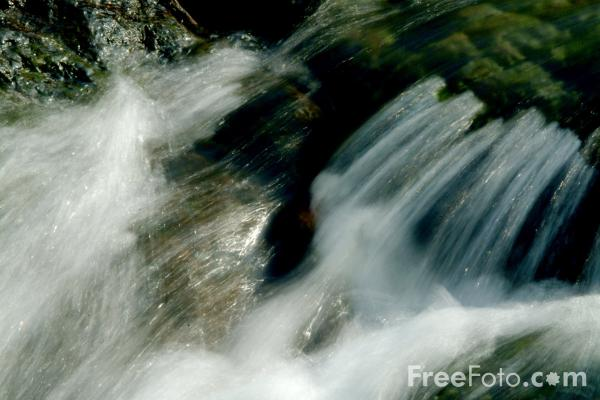 Picture of Waterfall, Ashness Bridge, Keswick, Cumbria - Free Pictures - FreeFoto.com