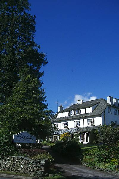 Picture of Skelwith Bridge Hotel - Free Pictures - FreeFoto.com