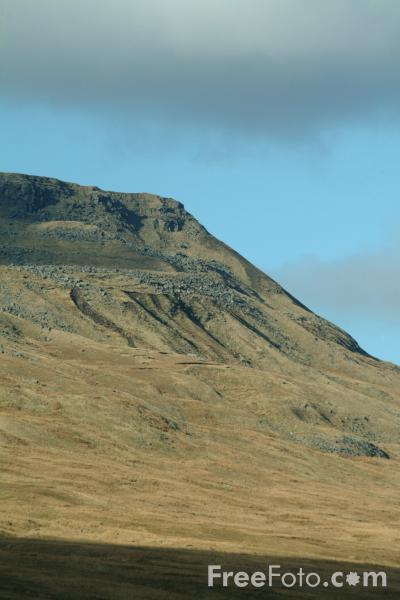 Picture of Wild Boar Fell, Mallerstang Dale, Cumbria - Free Pictures - FreeFoto.com
