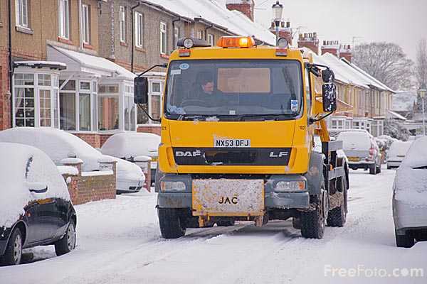 Picture of Gritter lorry - Free Pictures - FreeFoto.com