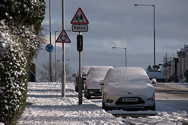 Picture of Car covered in snow - Free Pictures - FreeFoto.com