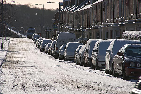 Picture of Gateshead street covered in snow - Free Pictures - FreeFoto.com