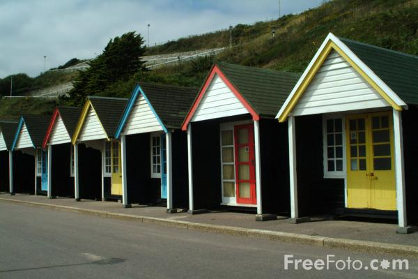 Picture of Beach Huts, Bournemouth Seafront - Free Pictures - FreeFoto.com