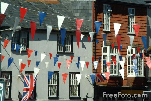 Picture of Bunting, Lyme Regis, Dorset, England - Free Pictures - FreeFoto.com