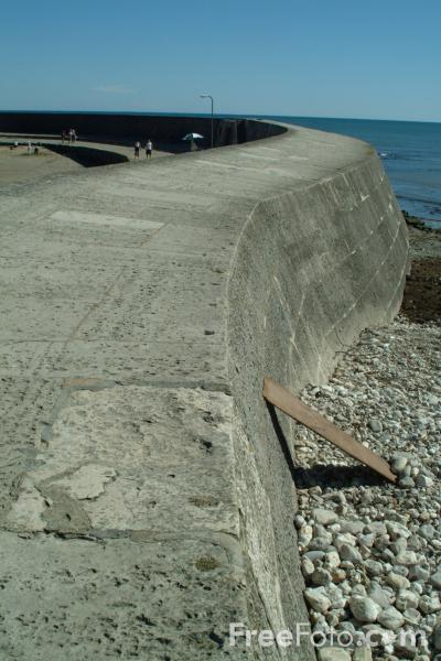 Picture of The Cobb, Lyme Regis, Dorset, England - Free Pictures - FreeFoto.com