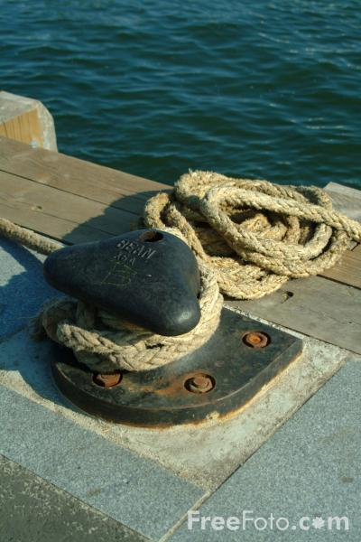 Picture of Rope, Quayside, Poole, Dorset - Free Pictures - FreeFoto.com