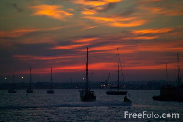 Picture of Sunset, Poole Harbour - Free Pictures - FreeFoto.com