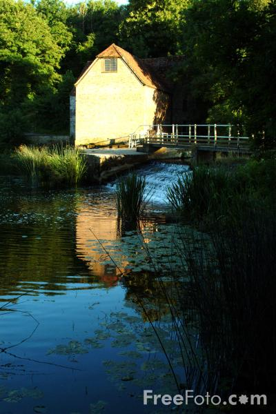 Picture of Water Mill, Sturminster Newton, Dorset - Free Pictures - FreeFoto.com