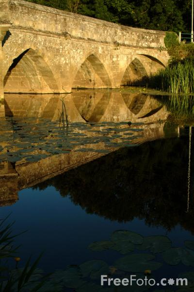 Picture of Town Bridge, Sturminster Newton, Dorset - Free Pictures - FreeFoto.com