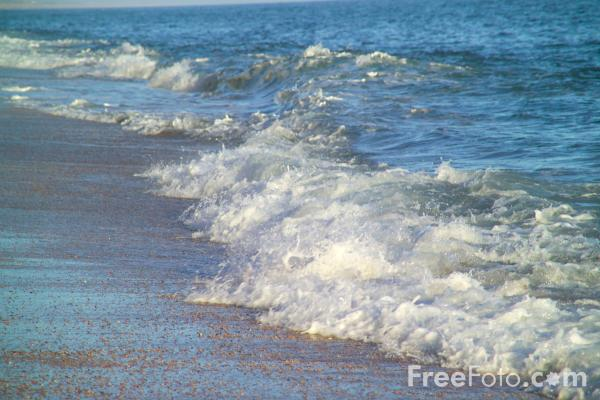 Picture of Waves, Cogden Beach, Dorset - Free Pictures - FreeFoto.com