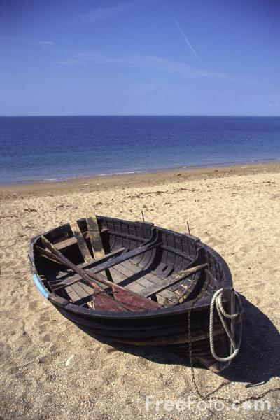 Picture of Old Boat, Cogden Beach, Dorset - Free Pictures - FreeFoto.com