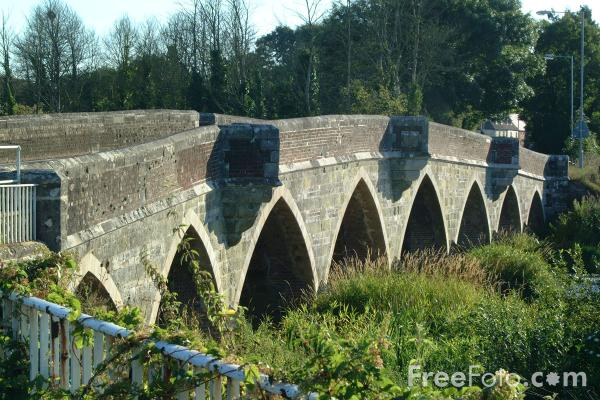 Picture of Bridge across the River Stour - Free Pictures - FreeFoto.com