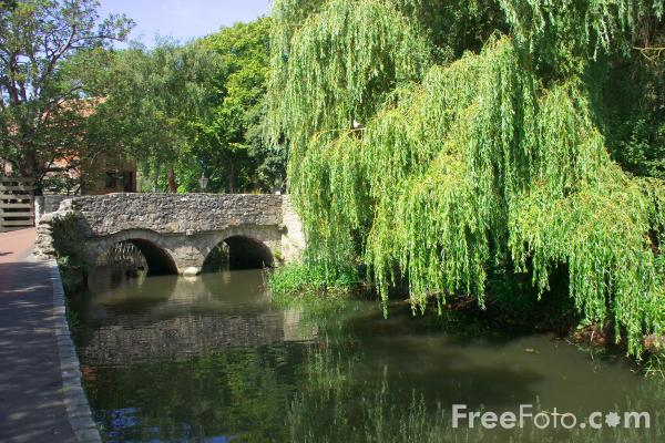 Picture of River Avon, Christchurch, Dorset - Free Pictures - FreeFoto.com