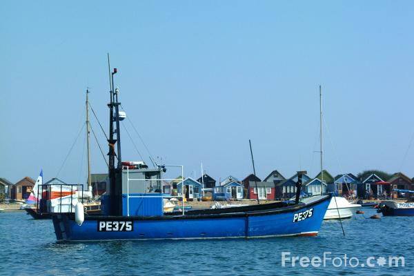 Picture of Fishing boat, Hengistbury Head, Christchurch, Dorset - Free Pictures - FreeFoto.com