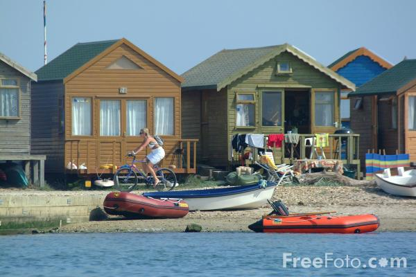 Picture of Beach Huts, Hengistbury Head, Christchurch, Dorset - Free Pictures - FreeFoto.com