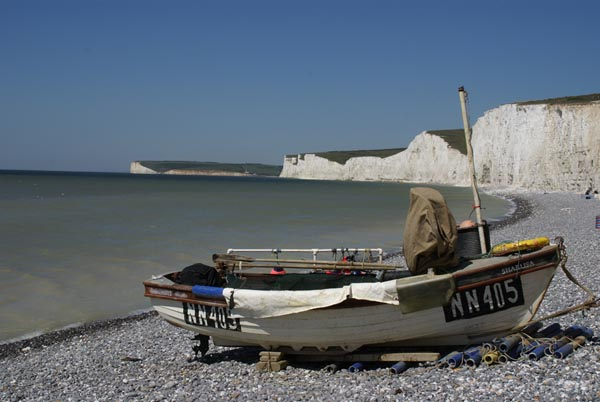 Picture of Fishing Boat, Birling Gap, East Sussex - Free Pictures - FreeFoto.com