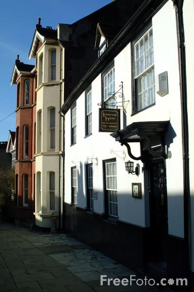 Picture of Hastings Old Town - Free Pictures - FreeFoto.com