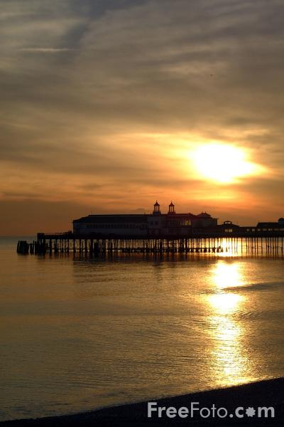 Picture of Sunset, Hastings Pier, Hastings - Free Pictures - FreeFoto.com