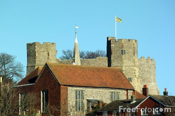 Picture of Lewes Castle - Free Pictures - FreeFoto.com