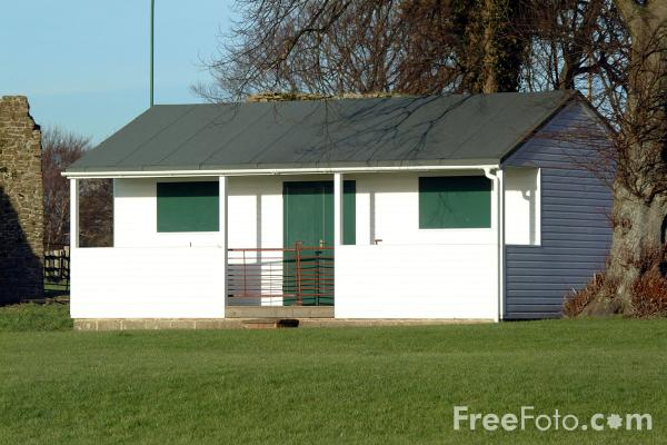 Picture of Cricket Pavilion, Winchelsea - Free Pictures - FreeFoto.com