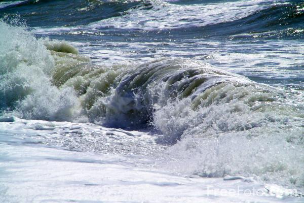 Picture of Waves, Sea Front, Brighton, Sussex - Free Pictures - FreeFoto.com