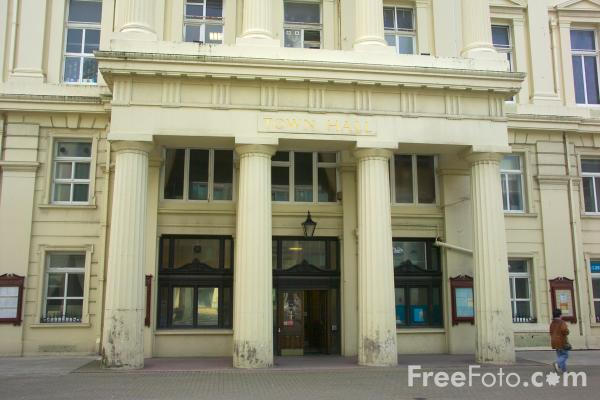 Picture of Brighton & Hove Town Hall - Free Pictures - FreeFoto.com