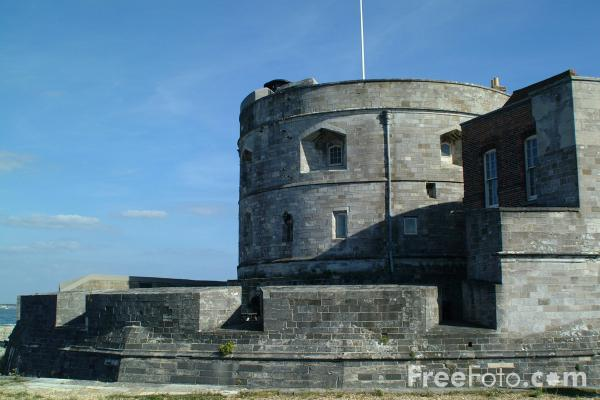 Picture of Calshot Castle, Fawley, Nr Southampton, Hampshire - Free Pictures - FreeFoto.com