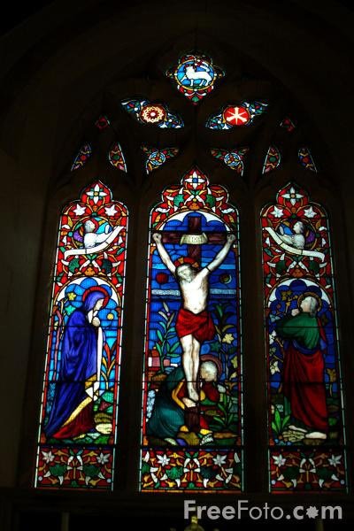 Picture of Stained Glass Window, St. Mary's Church, Fordingbridge - Free Pictures - FreeFoto.com