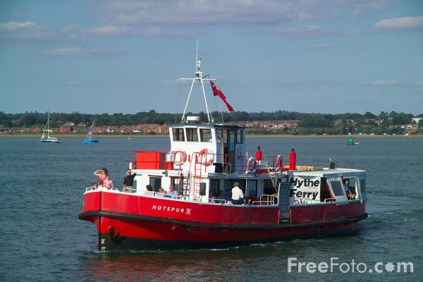 Picture of Hythe Ferry, Solent, Hampshire - Free Pictures - FreeFoto.com