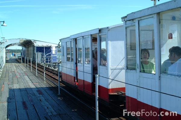 Picture of Hythe Pier and Railway, Hampshire - The oldest operating pier railway in Britain - Free Pictures - FreeFoto.com
