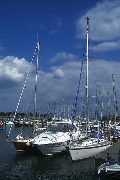 Picture of Lymington - Free Pictures - FreeFoto.com