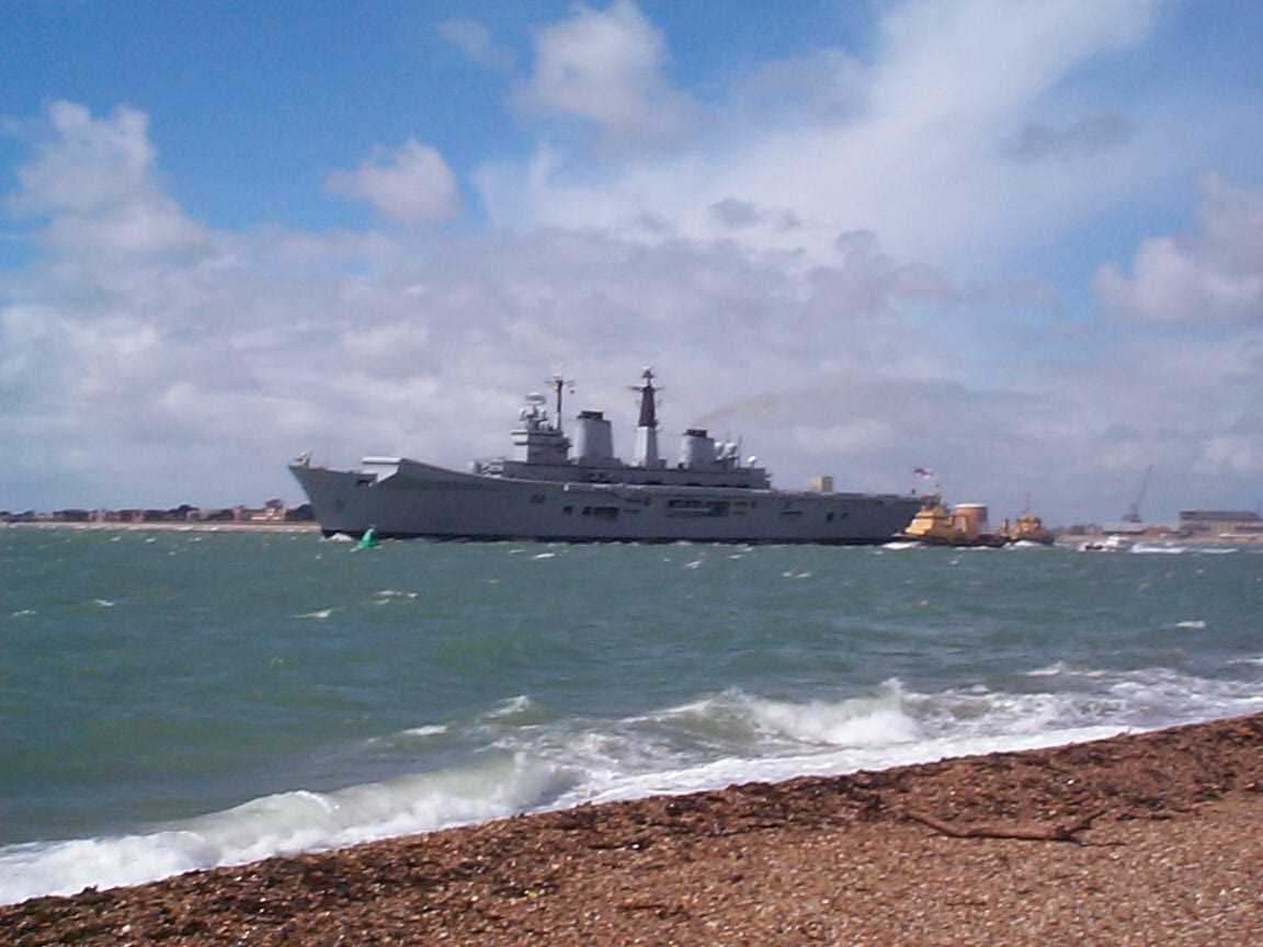 Picture of HMS Illustrious - Free Pictures - FreeFoto.com