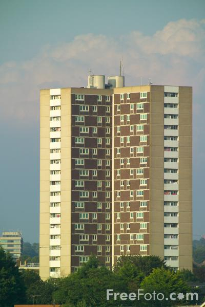 Picture of High Rise Tower Block, Southampton, Hampshire - Free Pictures - FreeFoto.com