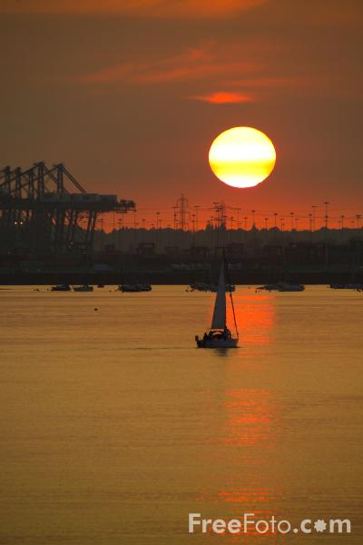 Picture of Sunset, Southampton - Free Pictures - FreeFoto.com