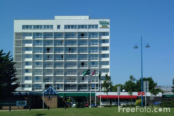 Picture of Holiday Inn Hotel, Southampton, Hampshire - Free Pictures - FreeFoto.com