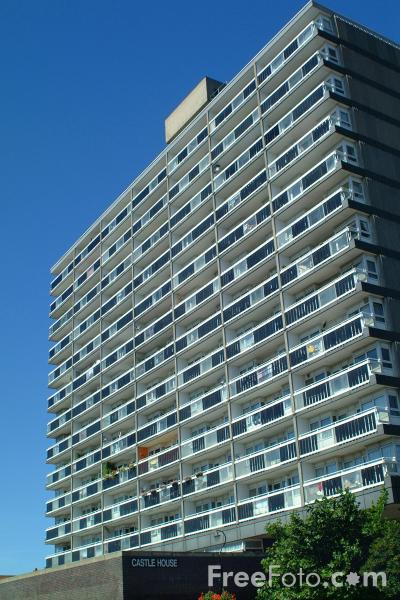 Picture of Block of Flats, Southampton, Hampshire - Free Pictures - FreeFoto.com