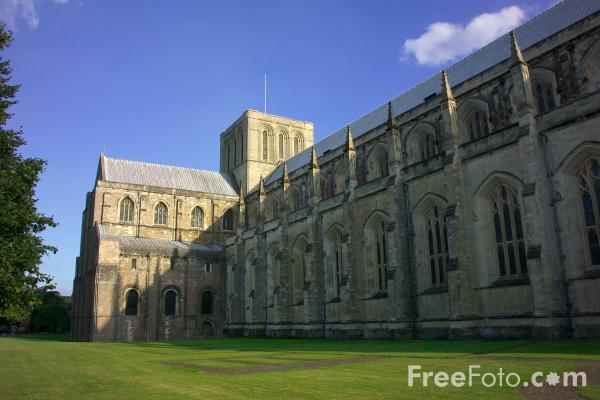 Picture of Winchester Cathedral - Free Pictures - FreeFoto.com