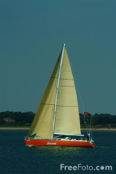 Picture of Sailing, Solent Water, Hampshire - Free Pictures - FreeFoto.com